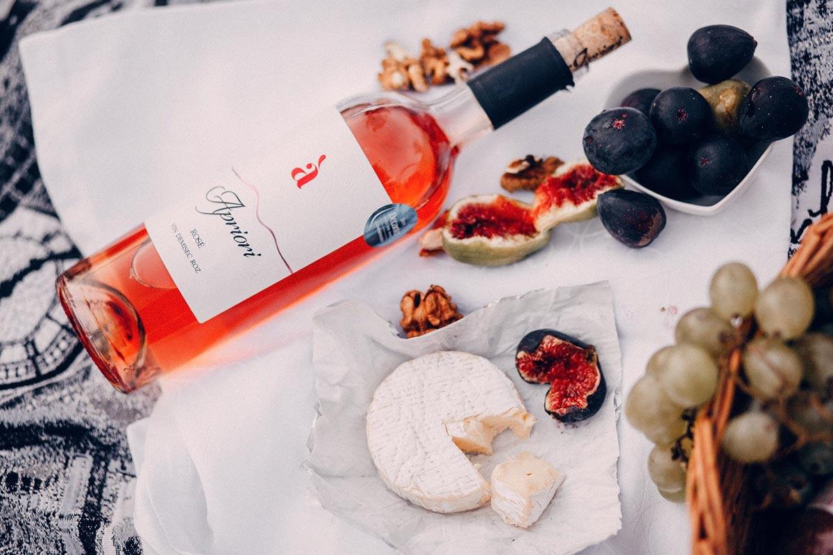 ¿Cuáles son los aspectos clave para realizar un buen diseño de etiquetas de vino?