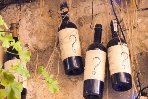 El papel, clave en el diseño de etiquetas de vino | Blog de Microbio Comunicación